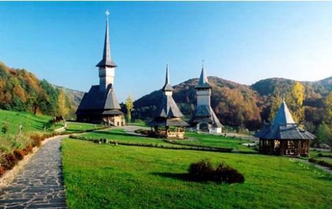 neobychnye-rumynskie-cerkvi