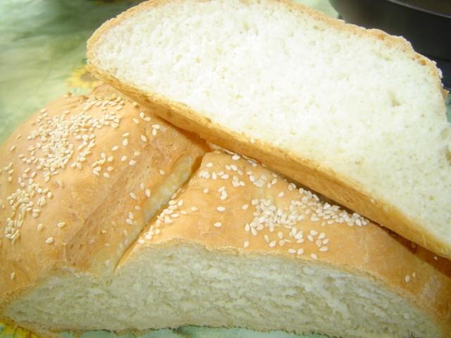 Чем вреден белый магазинный хлеб, Почему вредно есть магазинный хлеб, Вред дрожжей в белом хлебе, Что полезного в белом хлебе.