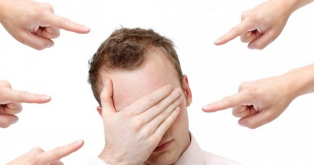 Человек испытывает чувство вины. Как научиться управлять своими чувствами.