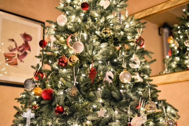 Украшать, украшение новогодней елки, украшение рождественской елки, история елочных игрушек, история новогодних игрушек