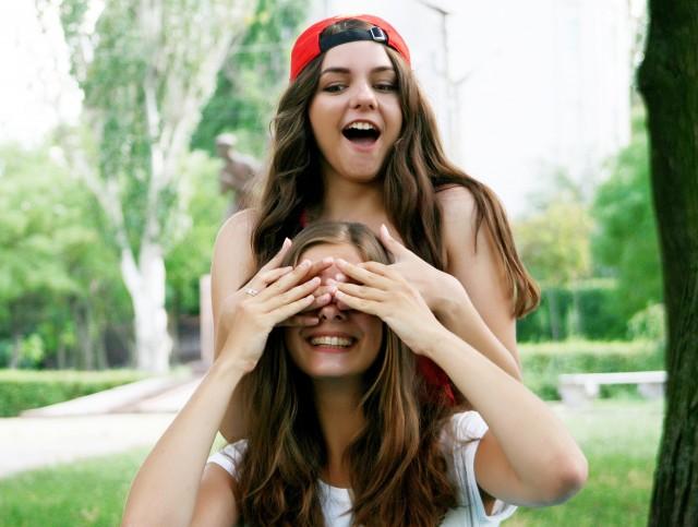 женской дружбы не бывает, пусть говорят, что дружбы женской не бывает, женской дружбы не существует, психология женской дружбы, что такое женская дружба, существует
