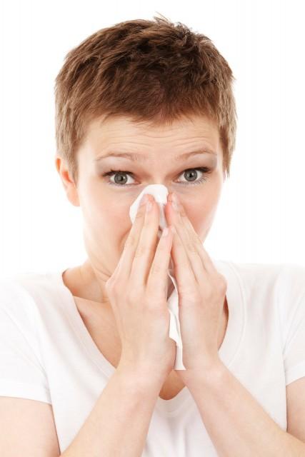 Как правильно сморкаться при насморке детям, как научить ребенка правильно сморкаться, как ребенку избавиться от слизи в носовых проходах, методы удаления слизи из носа