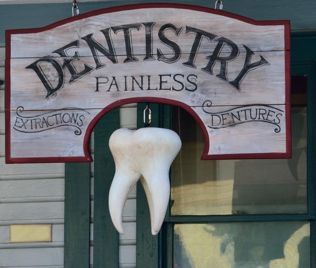 зубная имплантация, зубной имплантат, имплант, вставлять зуб
