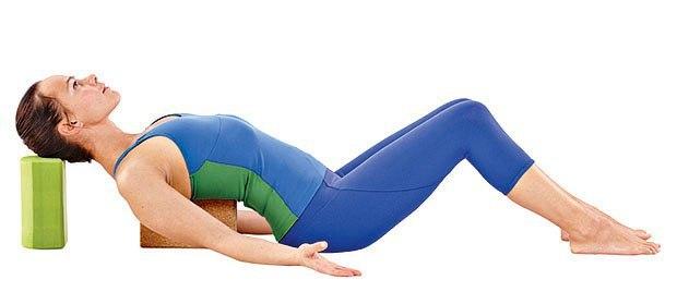 yoga-dlya-rasslableniya-snyatiya-ustalos