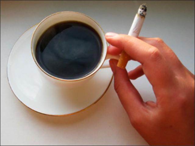 kofe-sigarety-i-golovnaya-bol-38045-large